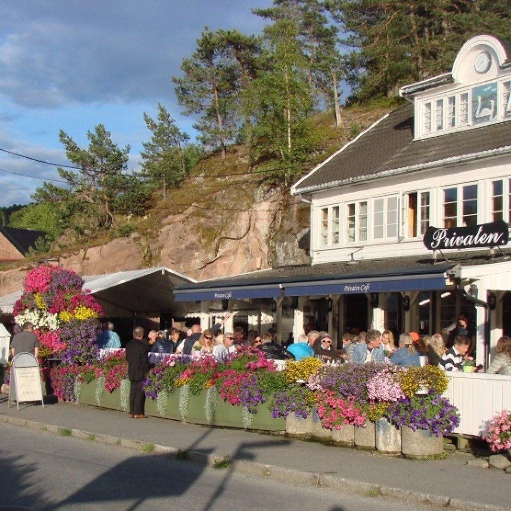 Privaten Café i Holmsb