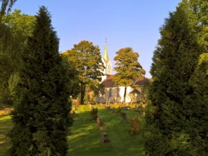 Holmsbu kirke og kirkegård